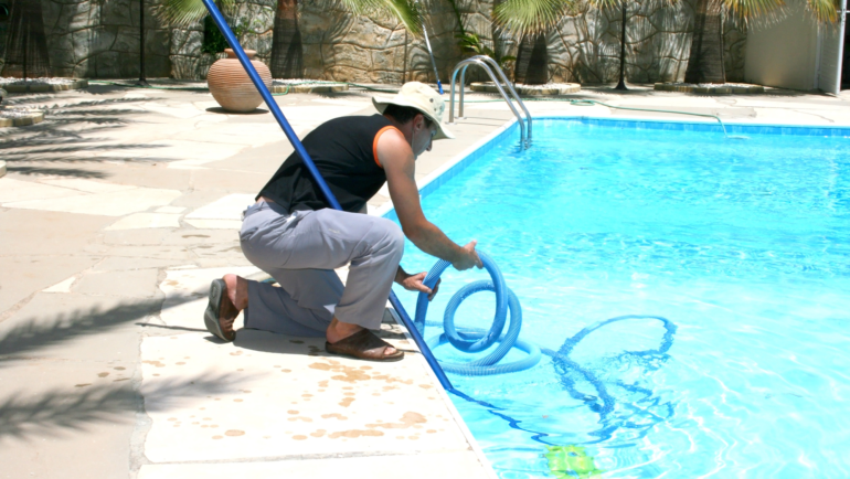 Coral Springs Pool Services Will Keep Your Pools Algae and Worry Free!