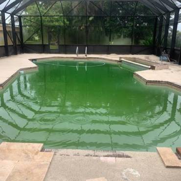 'How Can I Tell If My Pool Needs Cleaning?'
